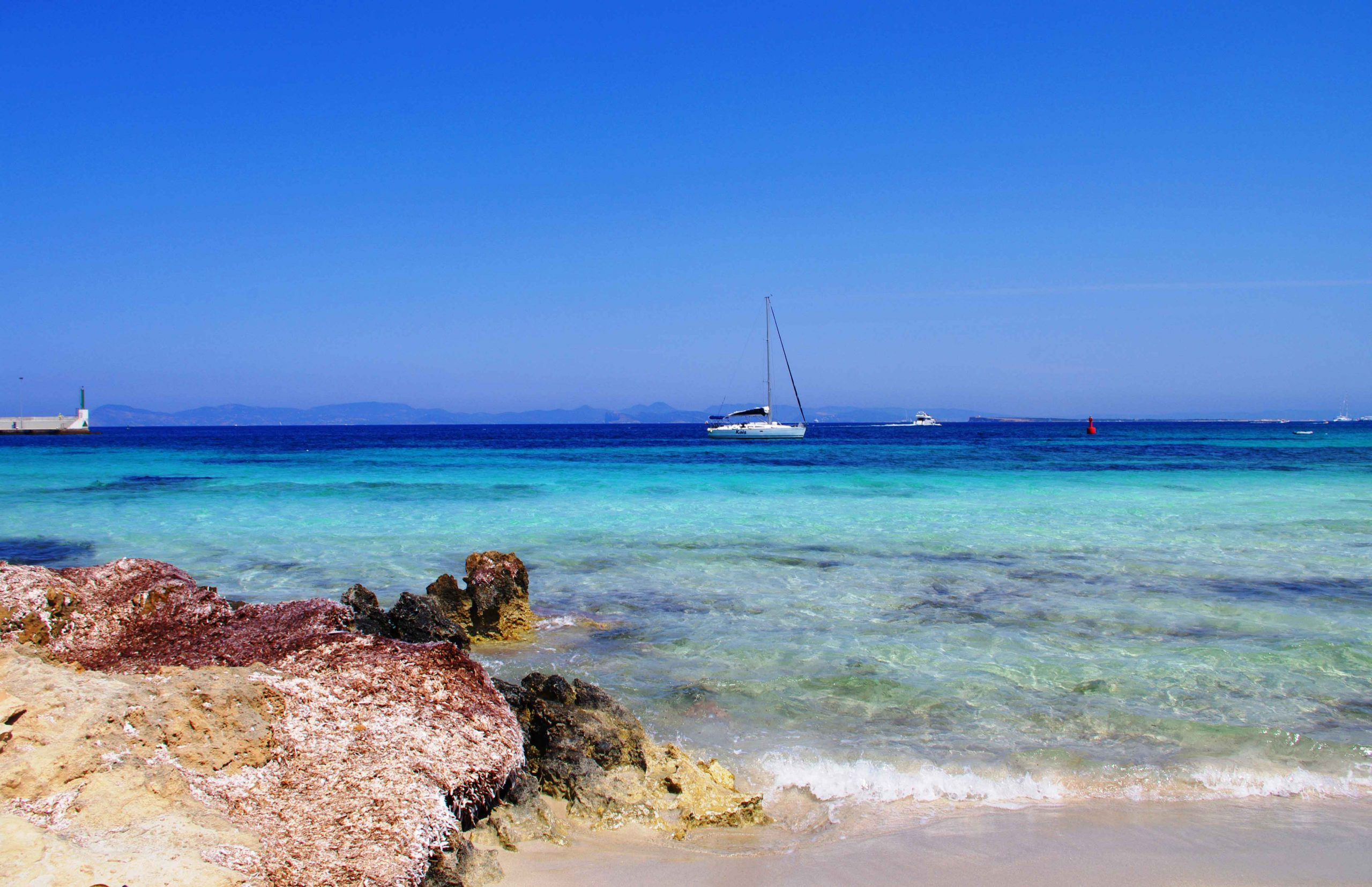 Escape for a weekend onboard our sailboat and discover Ibiza and Formentera