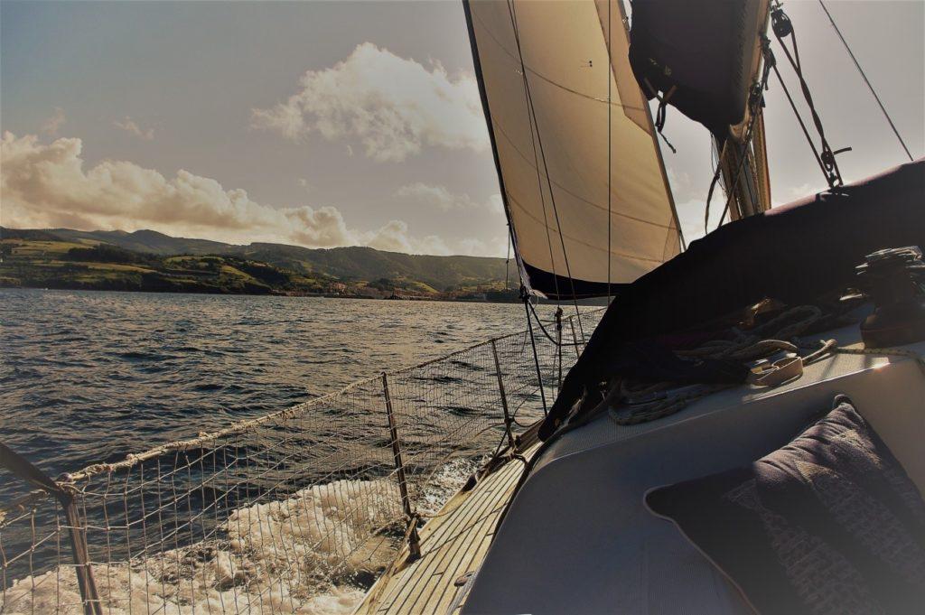 alquiler de veleros con patrón