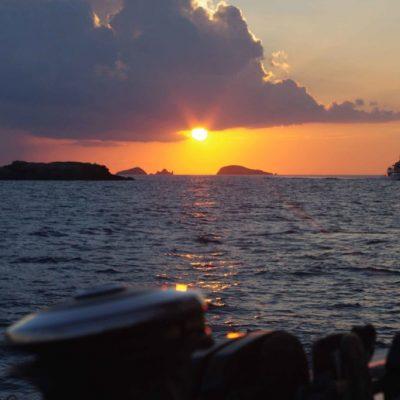 escapada romantica en velero